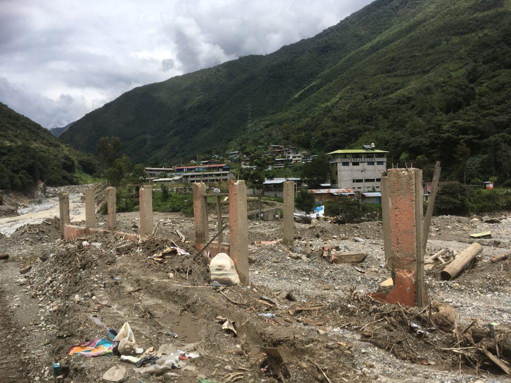 Durch die Wassermassen waren viele Häuser bis auf die Grundmauern zerstört